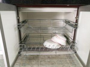 Rak Pinggan Bawah Atau Basket Rack Adalah Aksesori Dapur Yang Berfungsi Sebagai Tempat Penyimpanan Perkakasan Seperti Mangkuk